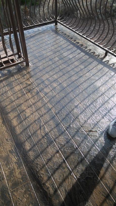 concrete-deck-coating-faux-wood